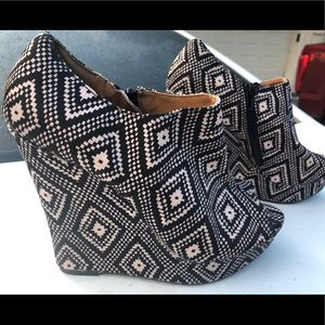 Platform Wedge Booties Sz 8M